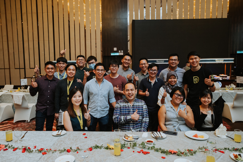 Didian team celebrating our partner agents' achievements