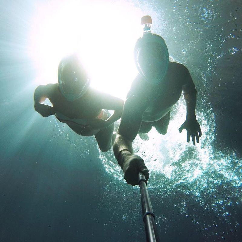 Dans les profondeurs du Cenote Noh Mozon au Yucatan, Mexique