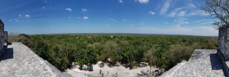 Vue en hauteur d'un temple Maya à Calakmul, Road trip Yucatan 2 semaines