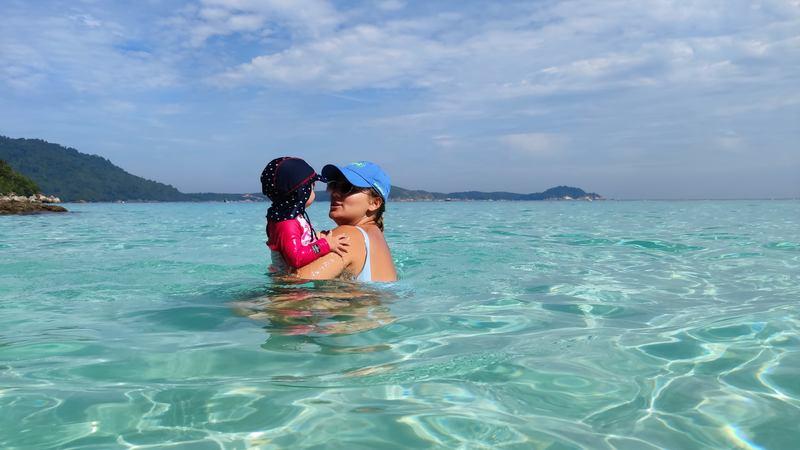 Baignade sur la plage de Turtles Beach sur l'Île de Perhentian Besar recit voyage malaisie