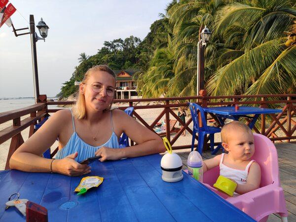 Restaurant de l'hôtel Cosy resort sur l'Île Perhentian Besar recit voyage malaisie