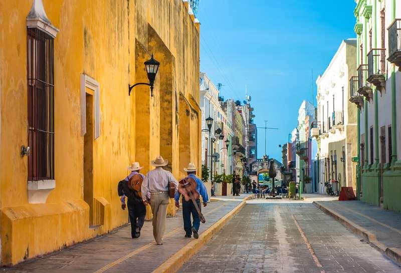 Promenade dans les rues colorés de Campeche au Mexique