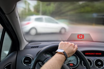 How Forward Collision Warning Prevents Accidents