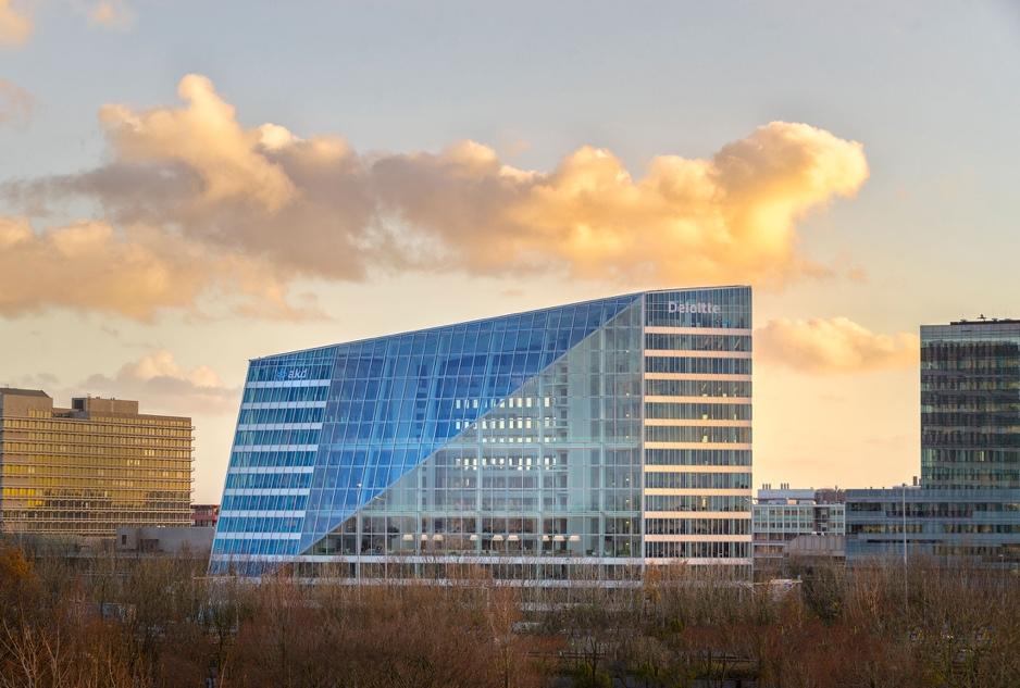 Office building design trends: Smart Building