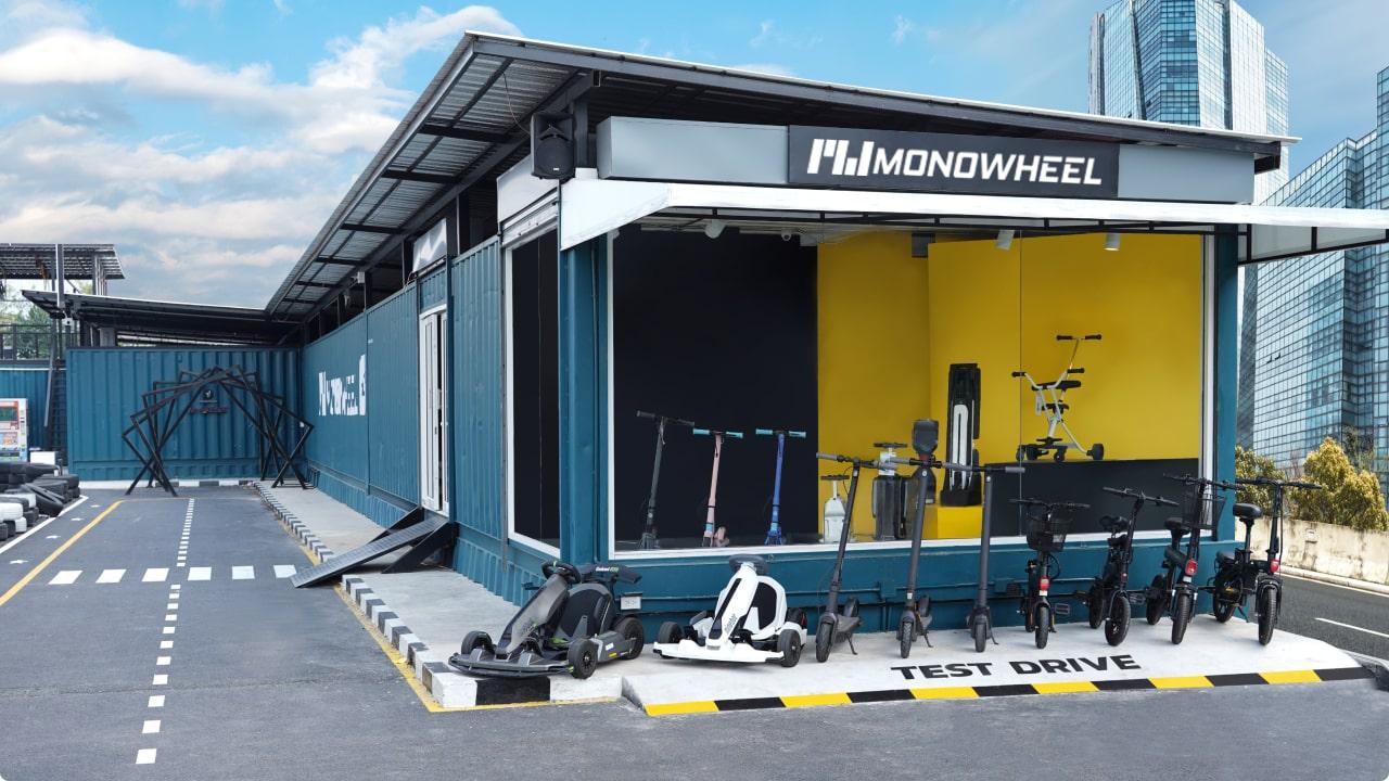 MONOWHEEL HQ Showroom