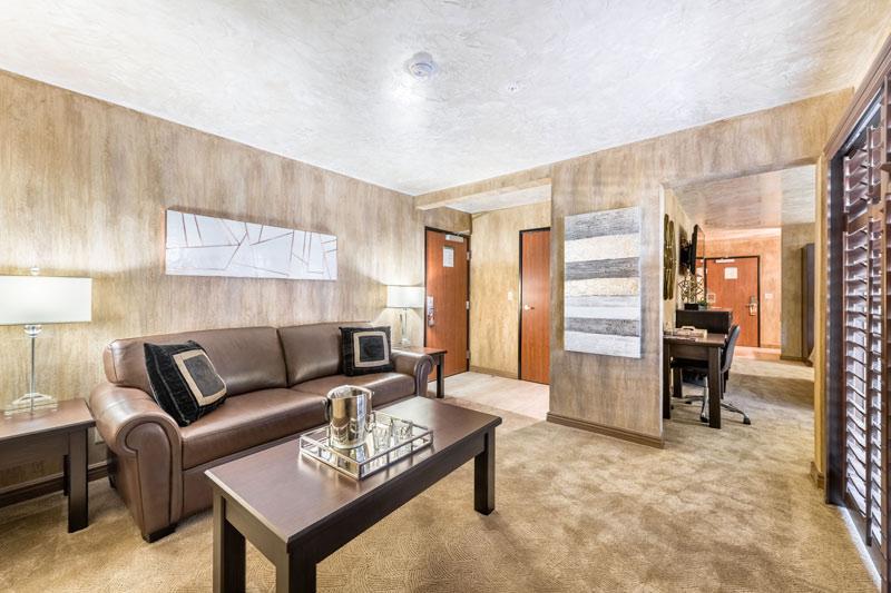 Ellis Island Hotel suite room in las vegas