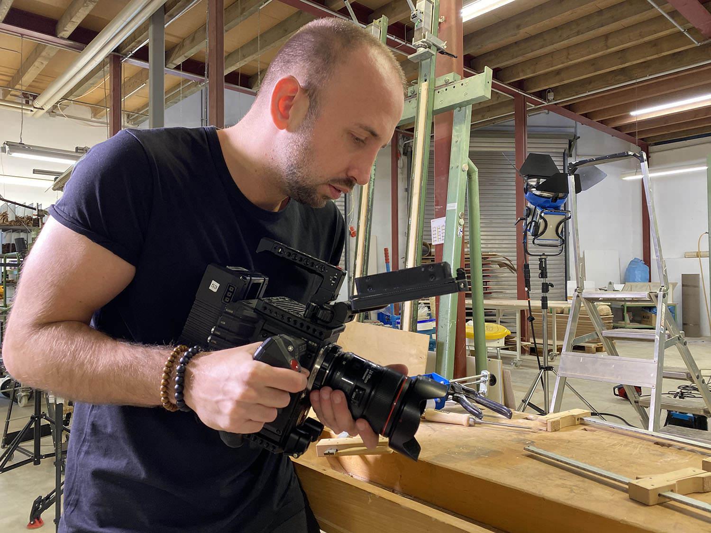 videograf filmt mit der RED eine szene