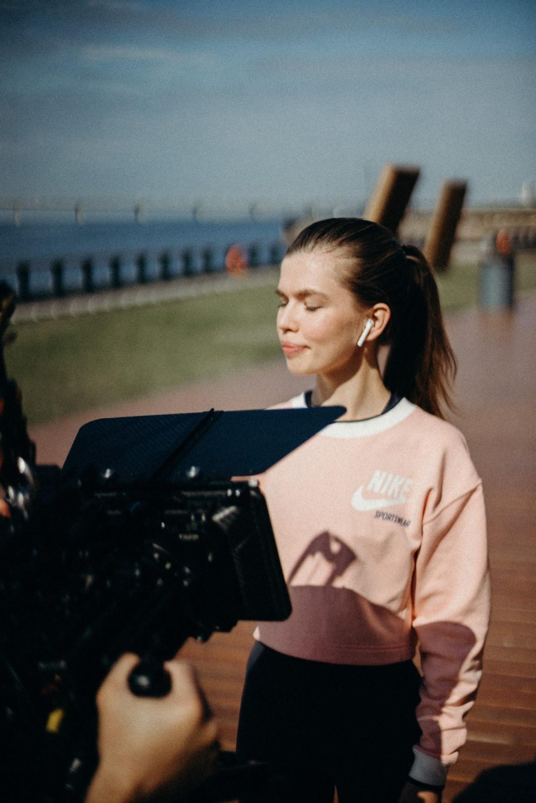 Videoproduktion mit einer Frau