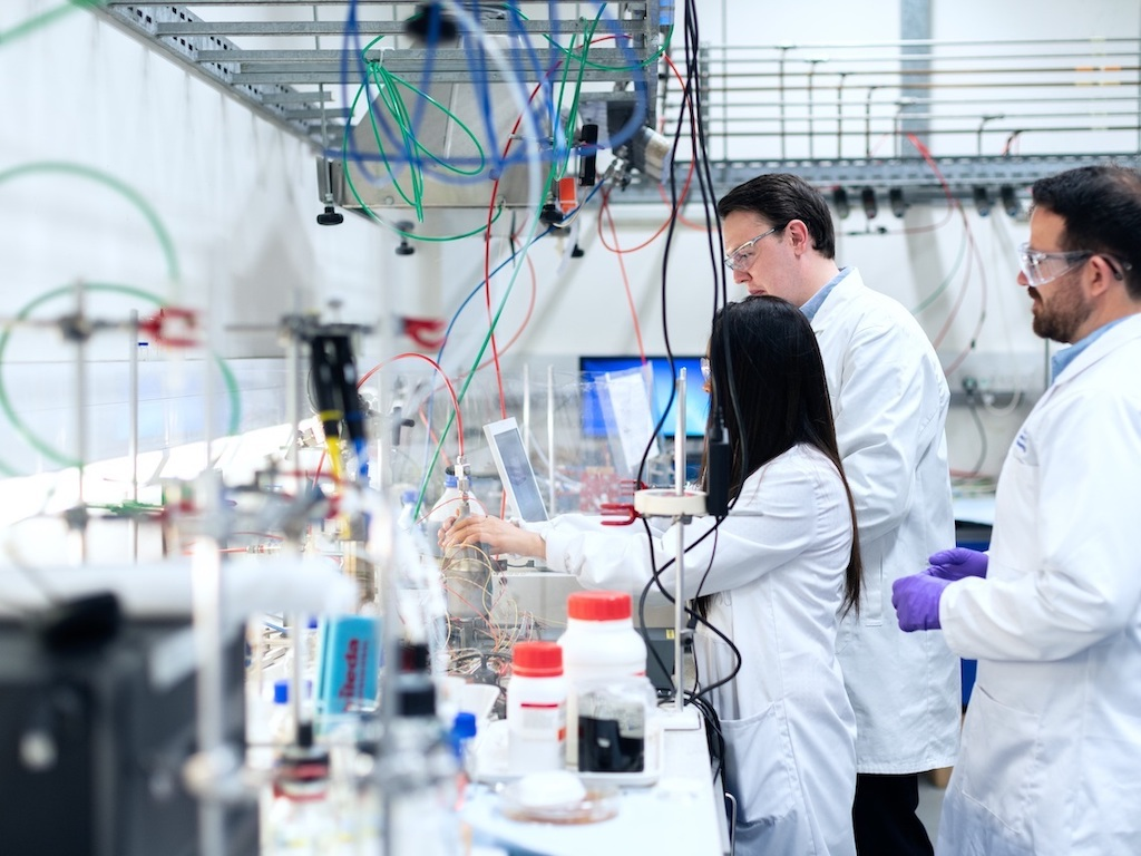 BizinBiz chemists performing R&D for Specialty Chemicals in India