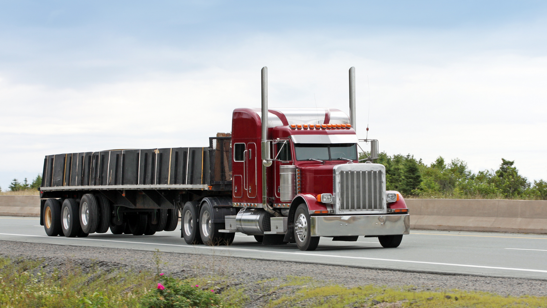 How to Hire a Flatbed Trailer Truck in Texas