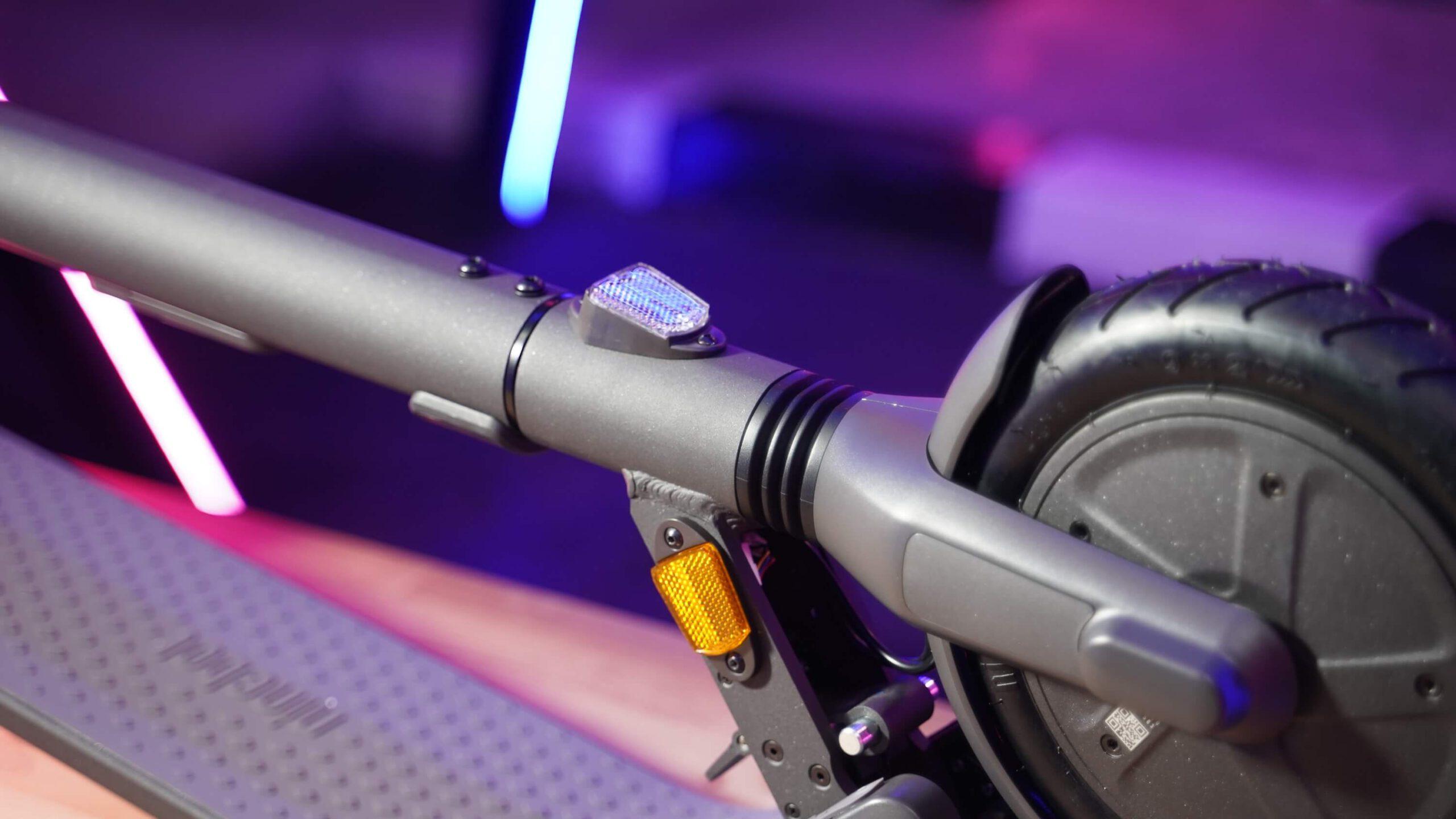 ninebot kickscooter e25-สะท้อนแสง