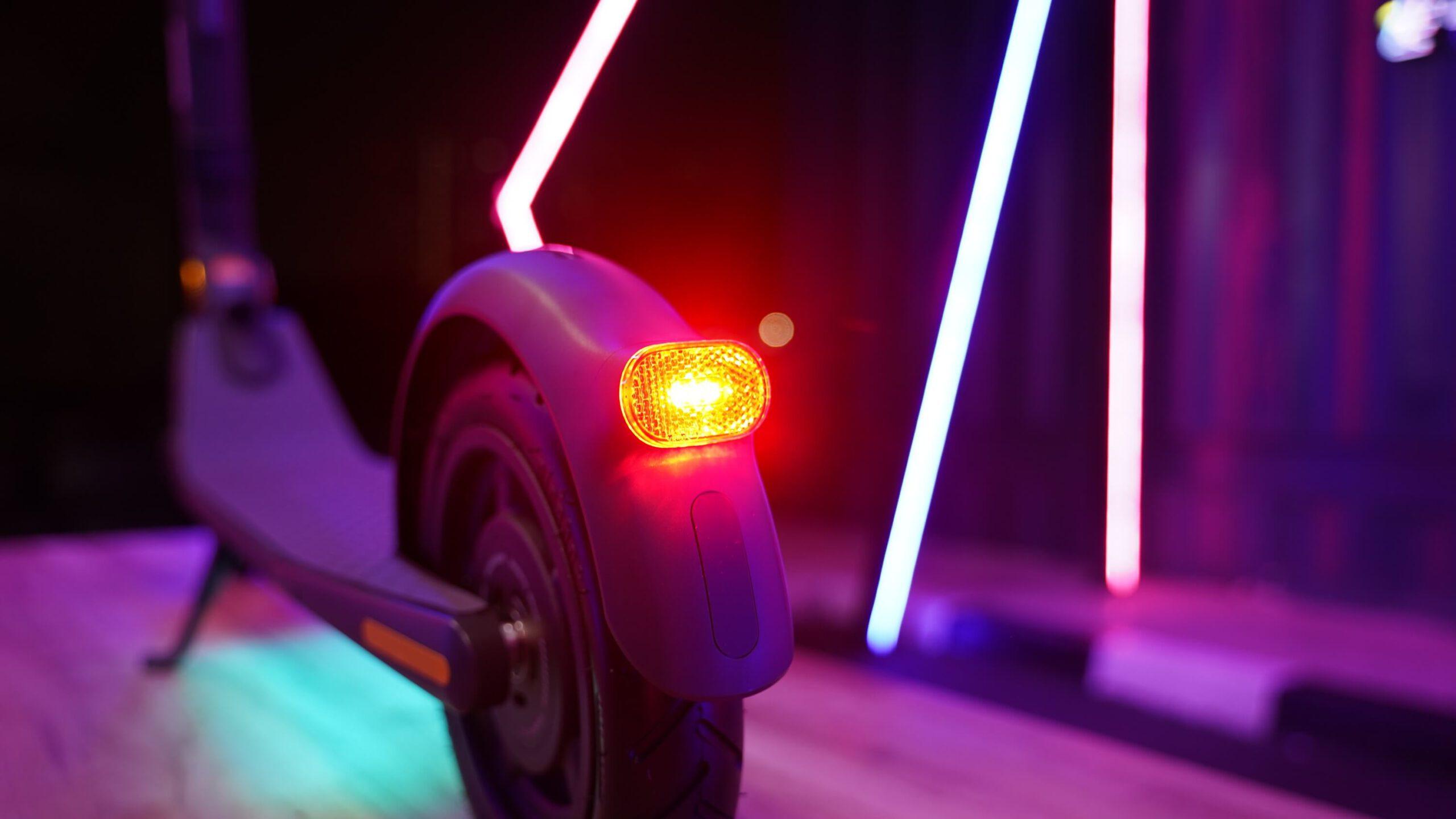 ninebot kickscooter e25-ไฟหน้า