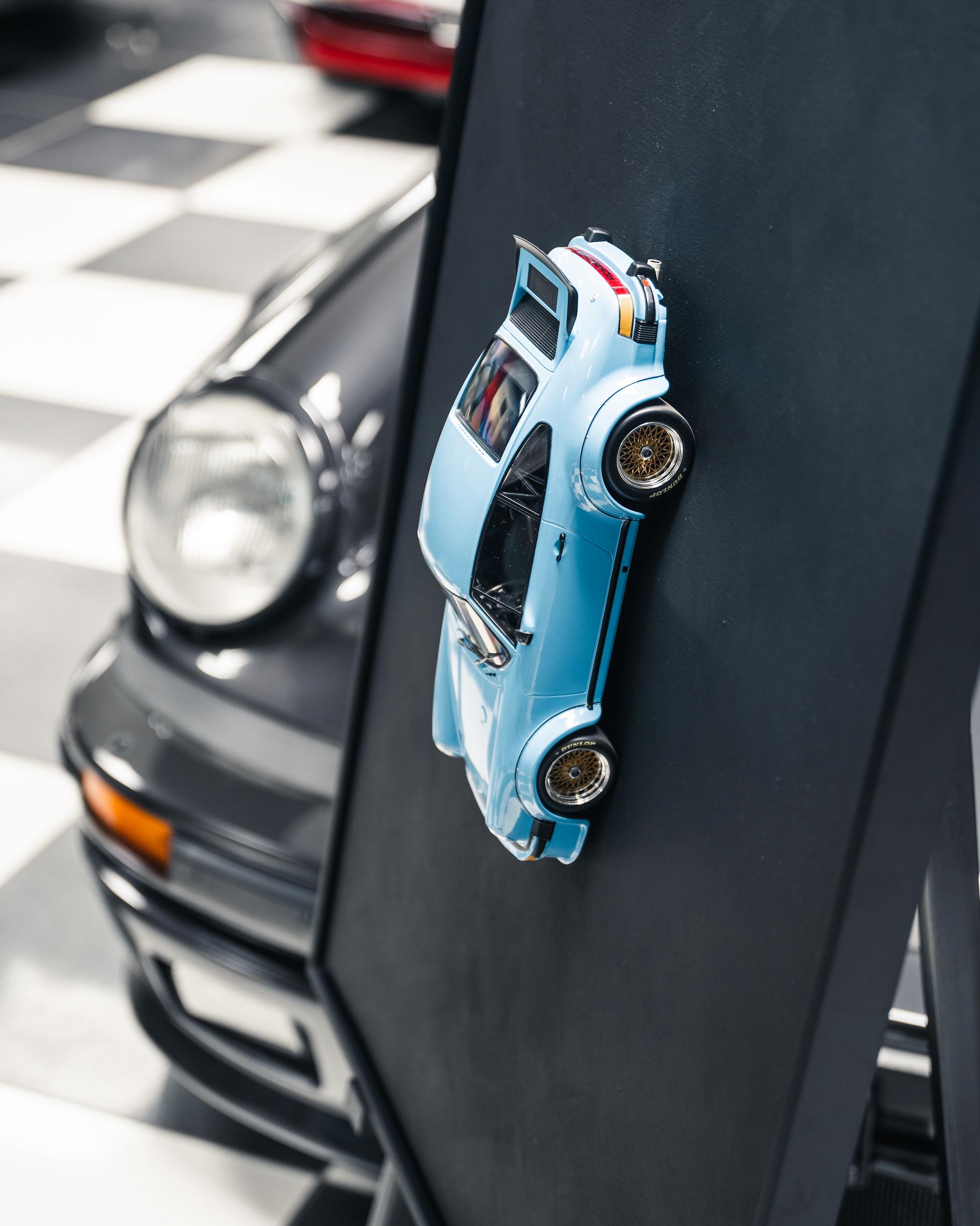 PORSCHE 934 blue / standard frame