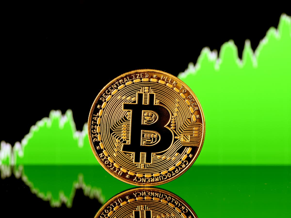 Bitcoin price – live: Crypto recovery 'feels very 2013', leading analyst  says