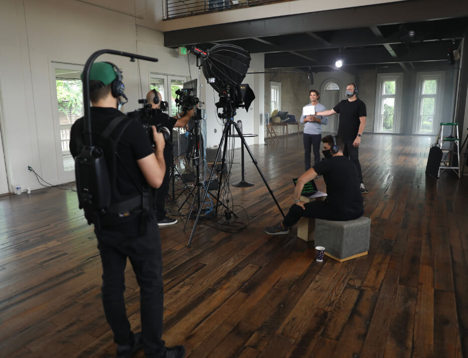 Behind the scenes of an Armosa shoot