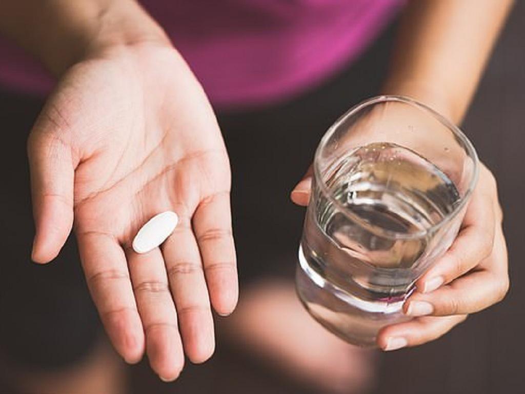 Bị rối loạn kinh nguyệt uống thuốc gì?