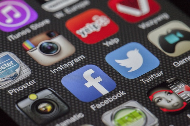 A screen with several social media icons such as instagram, yelp, facebook, twitter