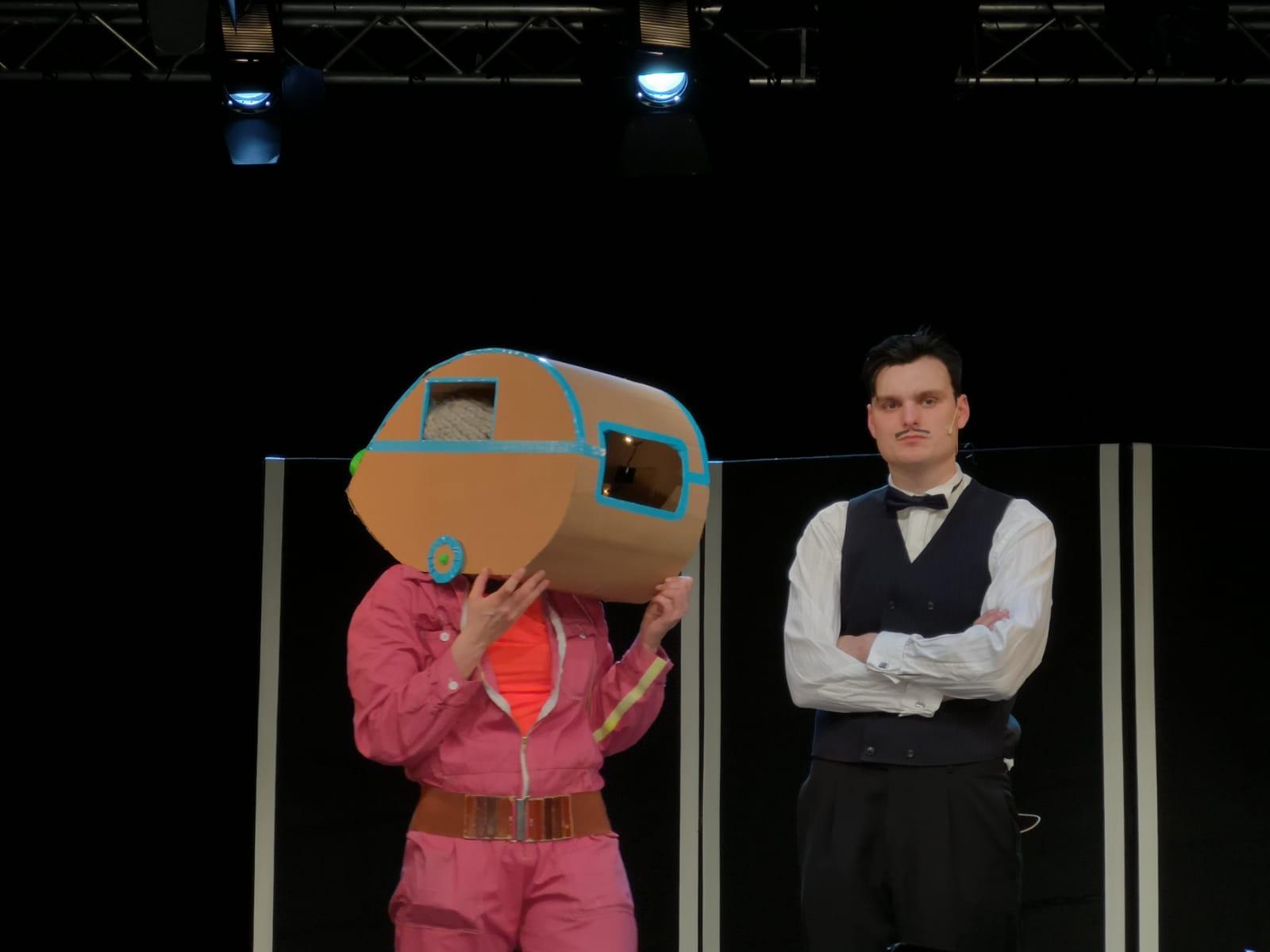 Silke Rudolph mit Joshua Zilinske - zweiter Akt