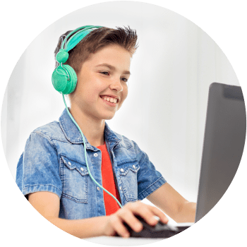 Kids learning beat making in group lessons after-school and online