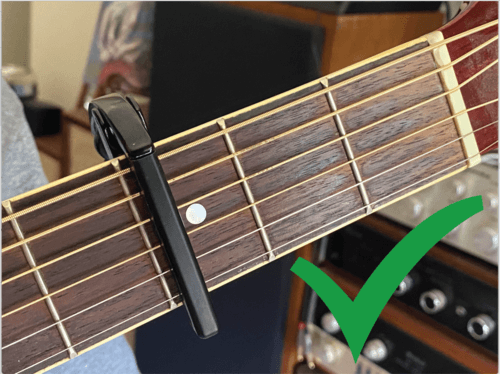 the right way to position a guitar capo