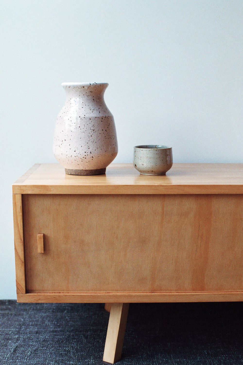 Solid pine sideboard detail view