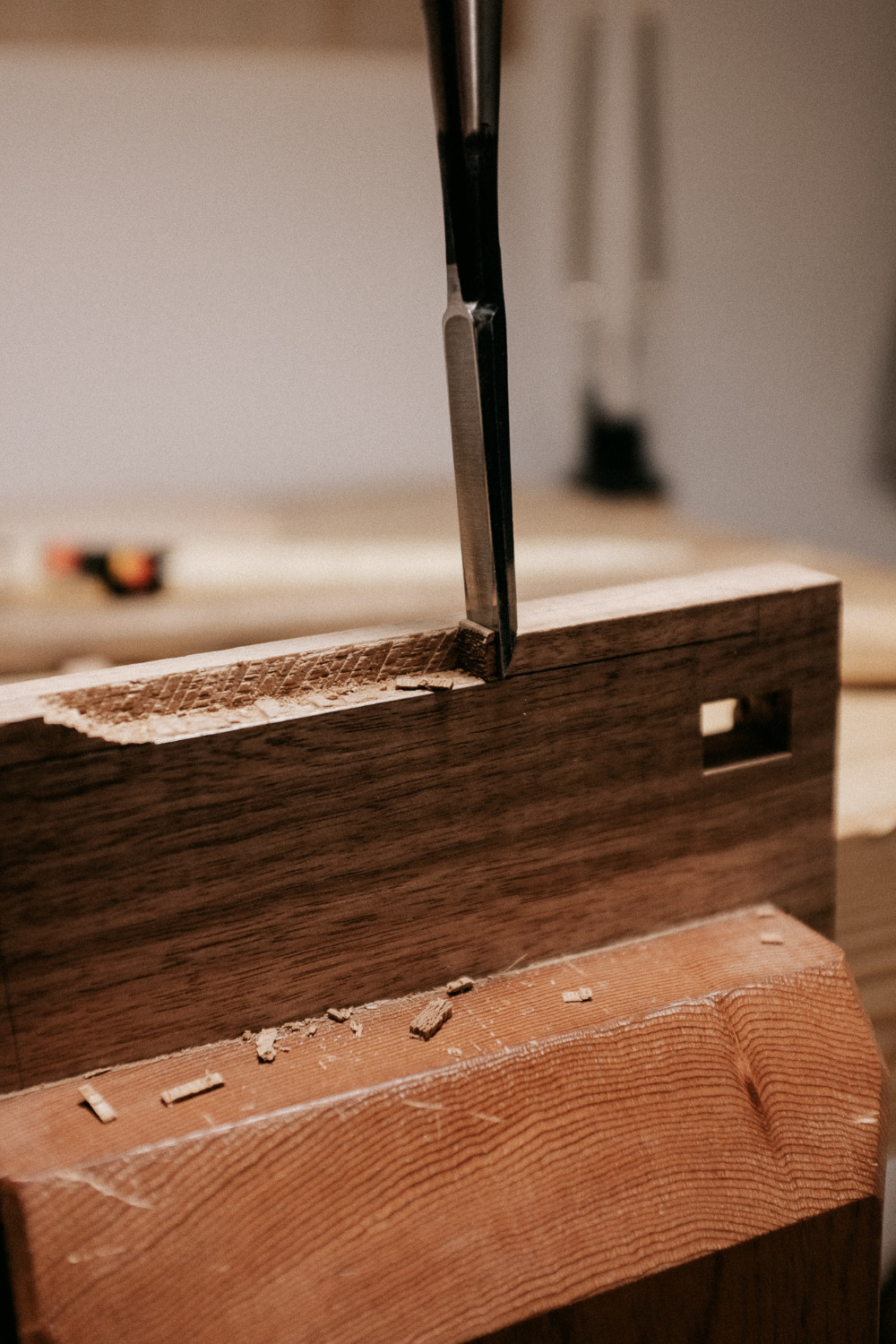 Hand cutting groove with chisel