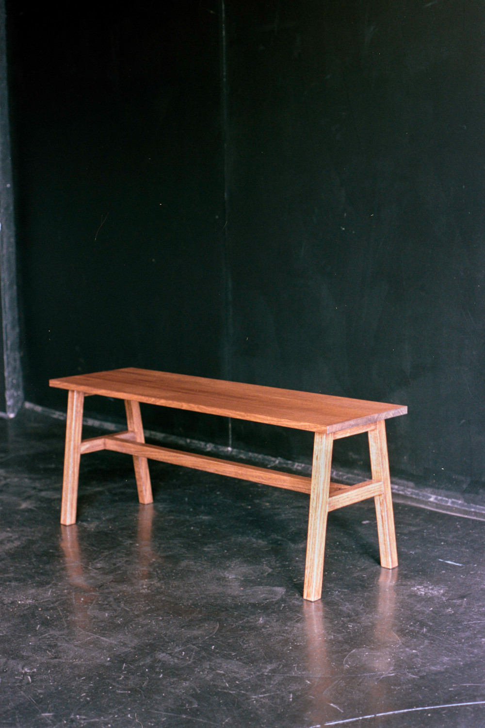 Classic style bench