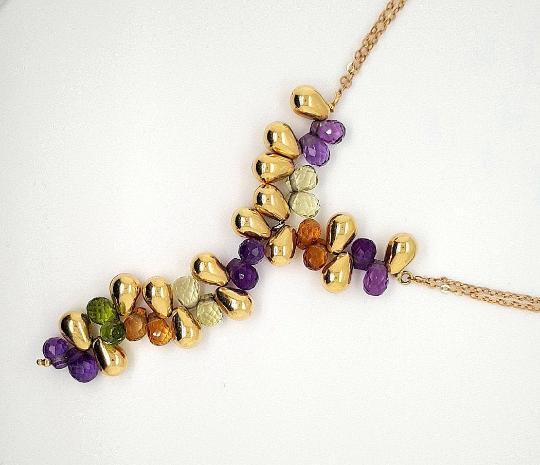 18 K Gold Tear Drop shape necklace