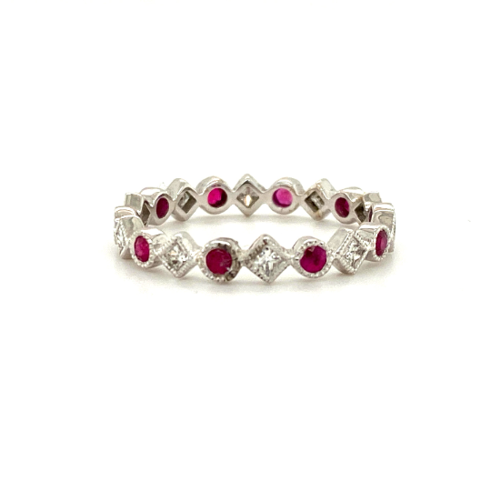 18K White Gold Ring with Ruby and Diamonds