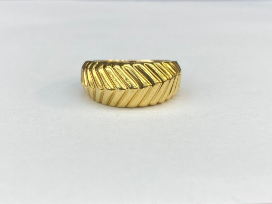 Tiffany & Co. 18 kt Yellow Gold Ribbed Style Band Ring