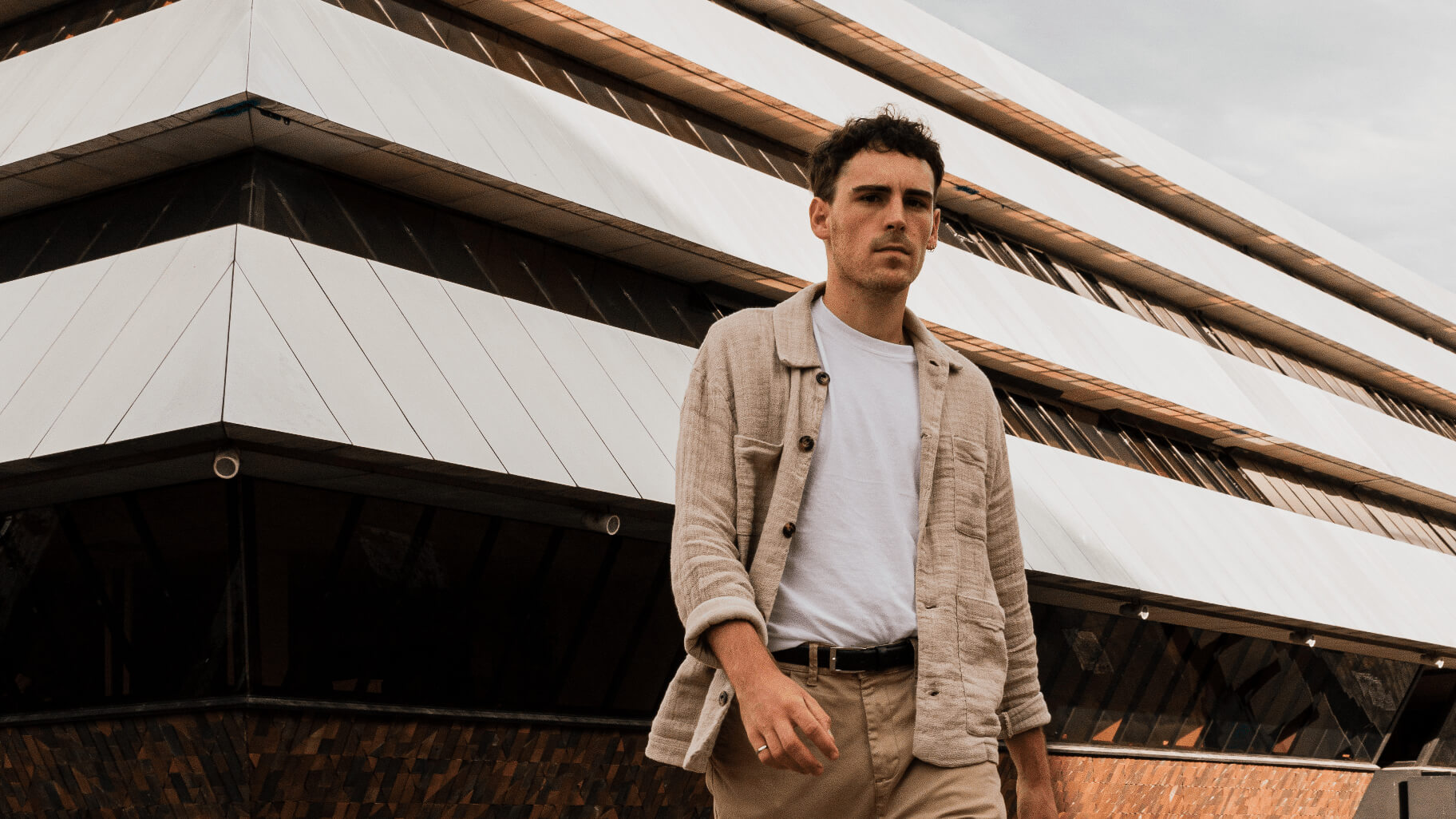 Nhyx is an independent electronic music composer from Paris. Lover of classical music before he met electronic and 90's House / Techno scene, he approaches his compositions as real sound travels.
