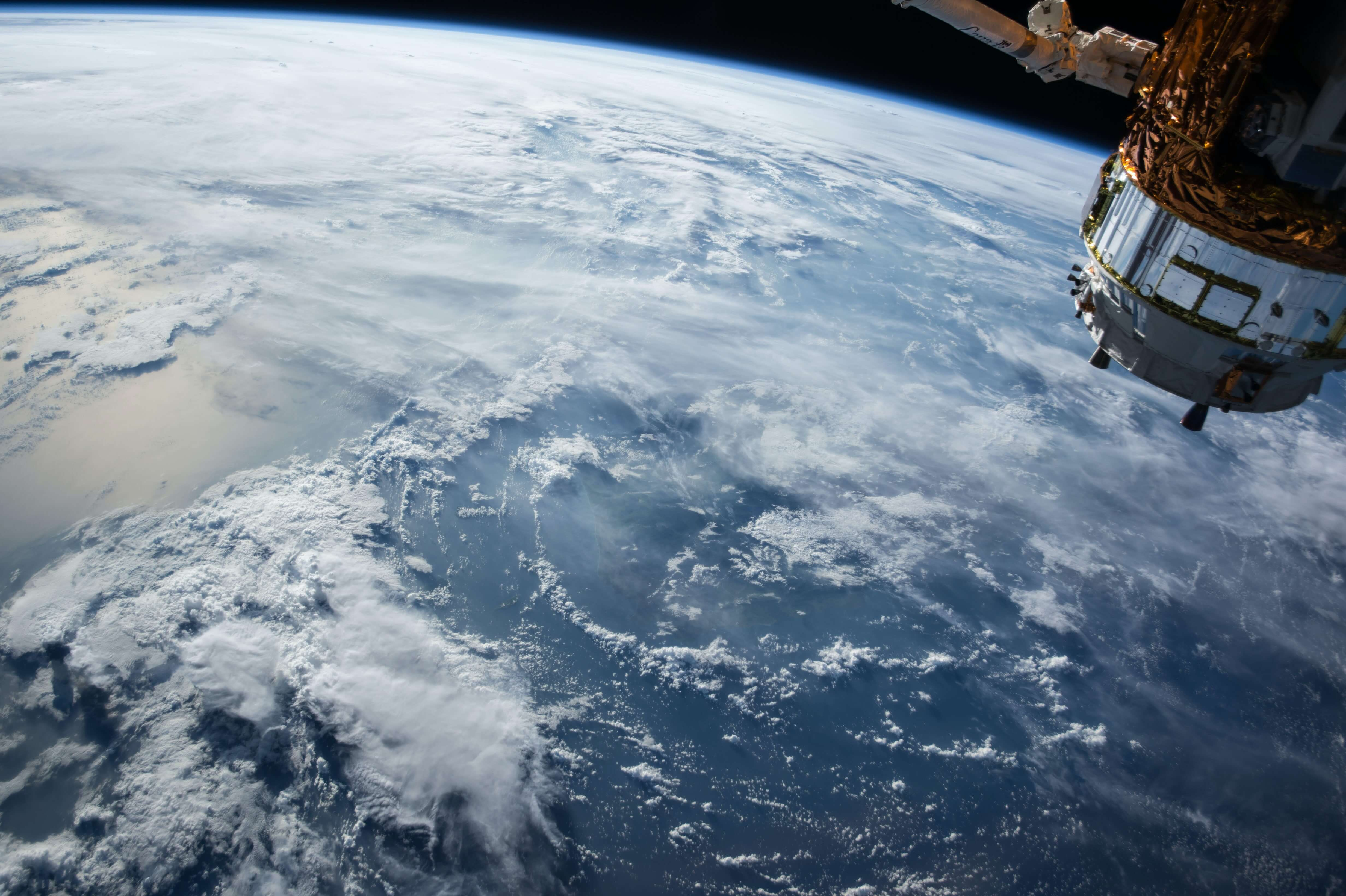 Satellite SpaceX Starlink Alternatives Cost