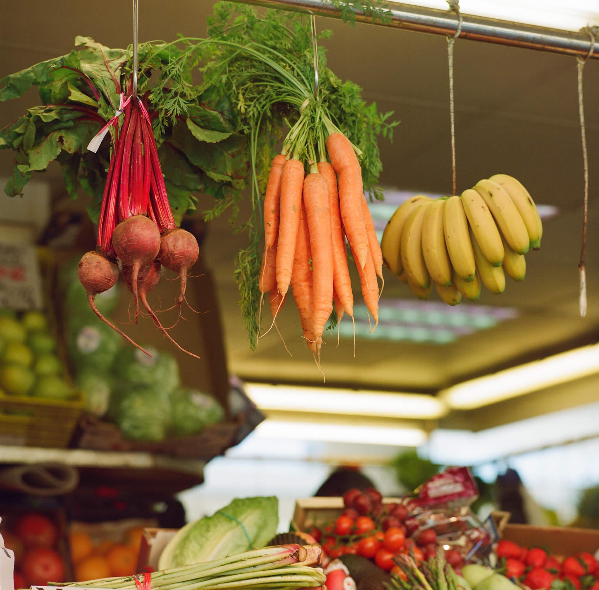 Fotografía tomada en el Mercado Central de Cádiz de una frutería