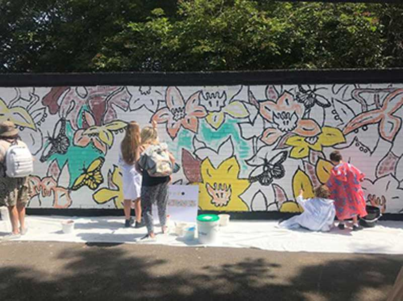 Stories from our Members – PIPÉT  Painting an Airlite Air-Purifying Mural in Chiswick