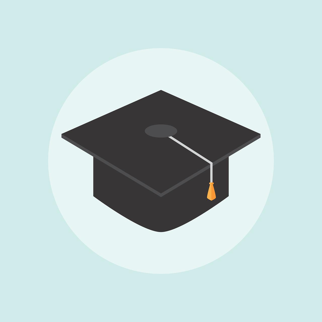 Hat illustration for total alumni statistic