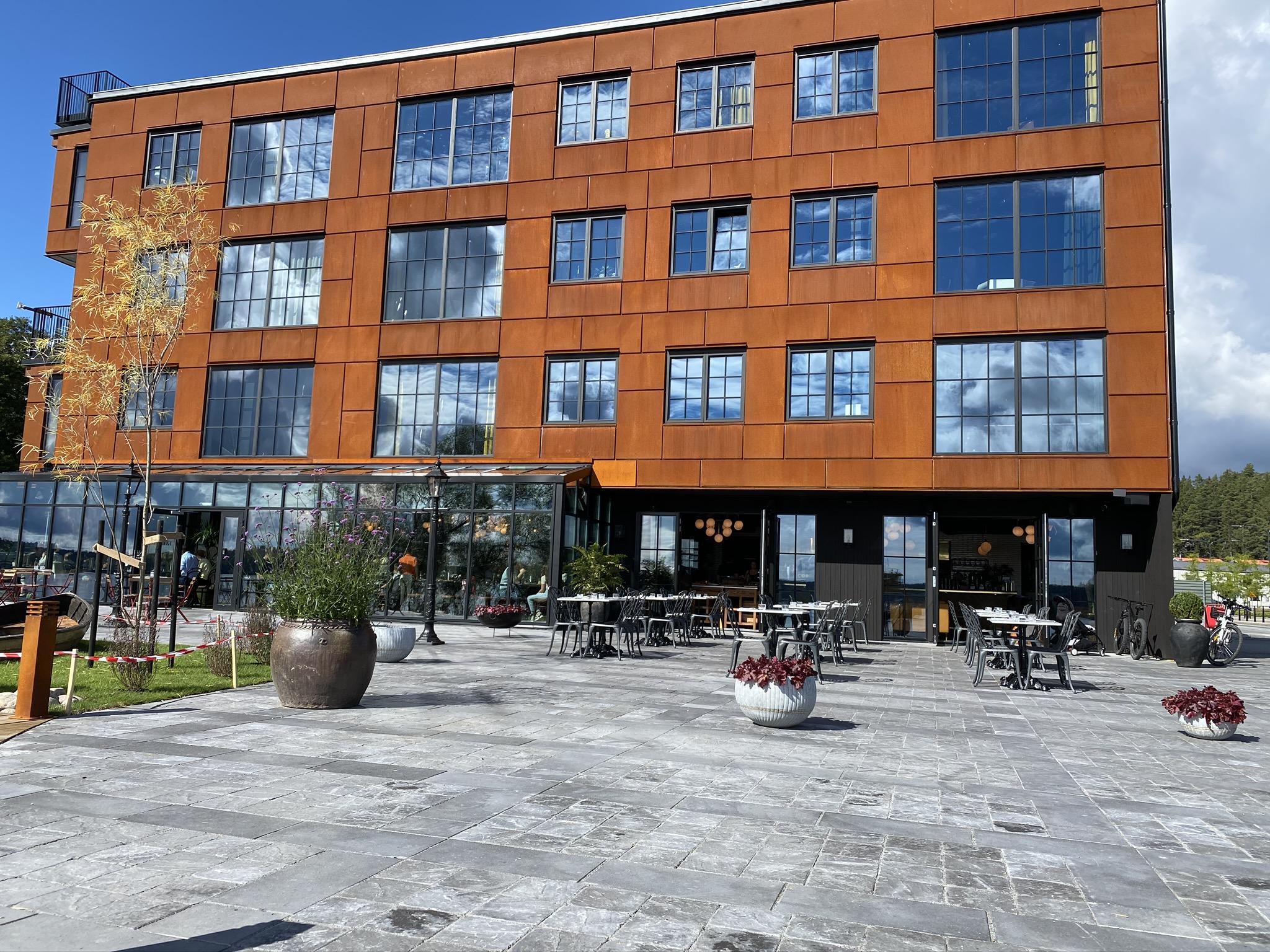 Sjöstadskajen är Ekerös nya mötesplats