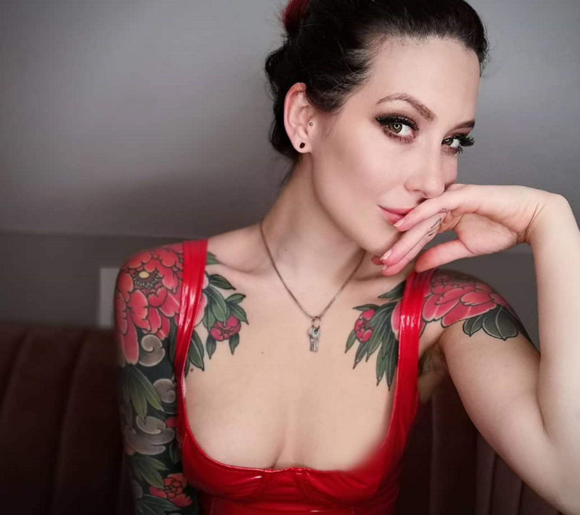 Mistress Adreena 14