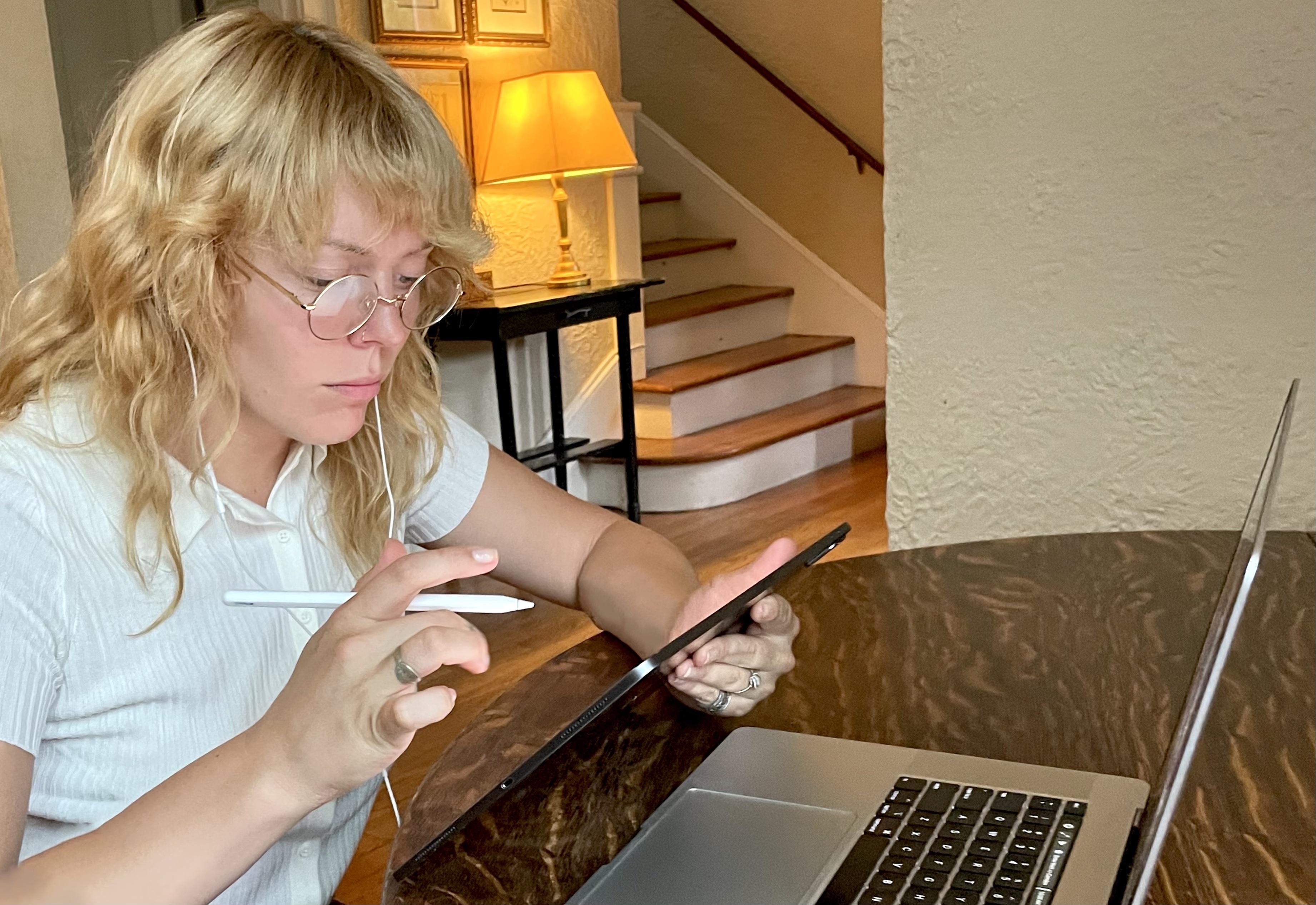 A student receiving online tutoring