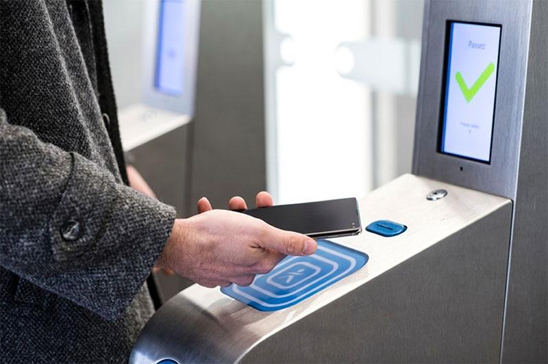Le pass Navigo et les tickets de métro sur smartphones en septembre