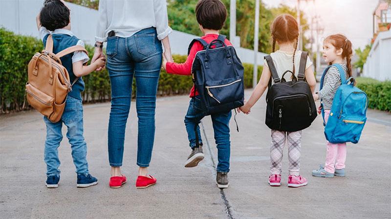 Le Mobile : meilleur ami des parents à la rentrée des classes.