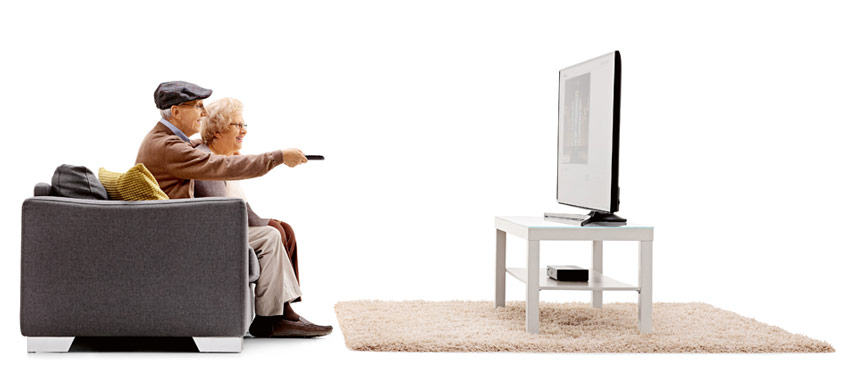 couple watching a live stream on tv