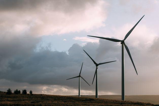 Slow moving wind turbines