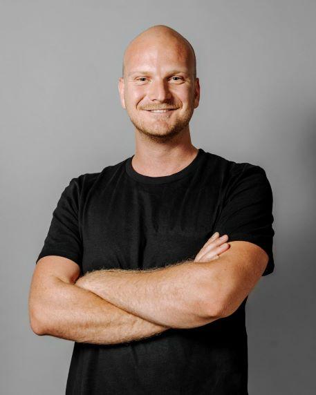 Portrait photo of founder André Frirdich