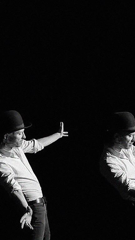 BW Thom Yorke dancing