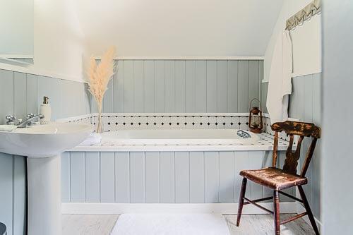 Large bathtub in second floor bathroom in Sellwood Airbnb