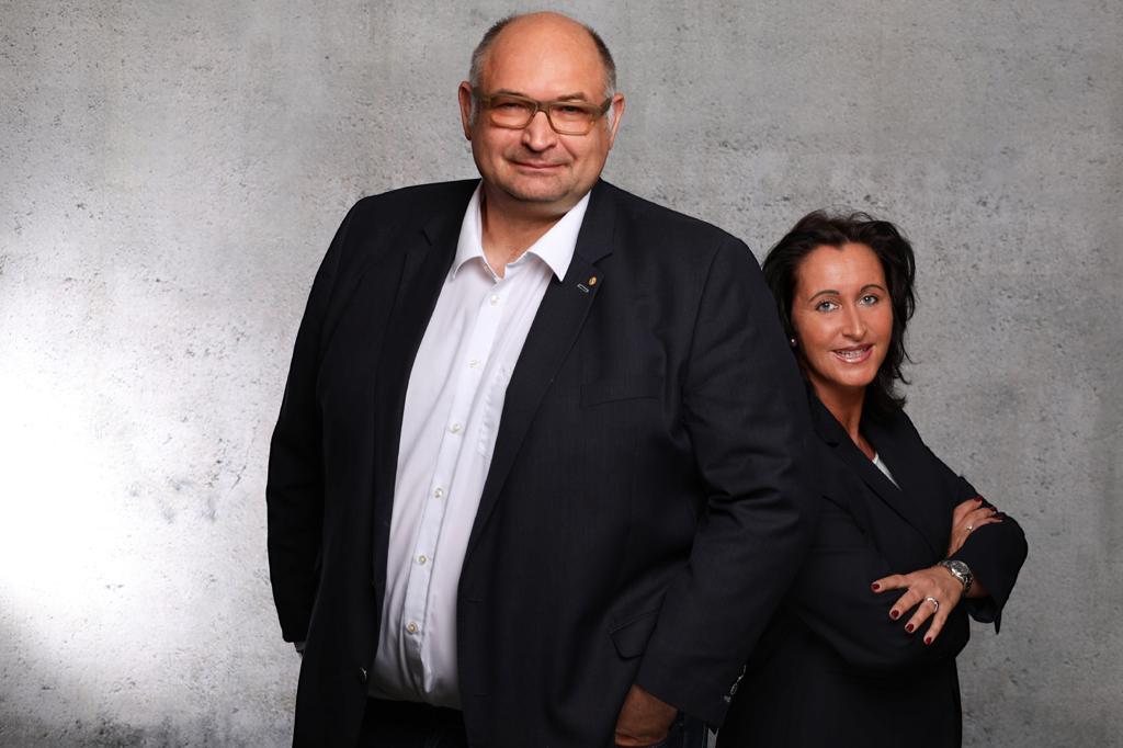 Ein Bild der Inhaber und des Ehepaares Verena und Karl-Heinz Gockeln.