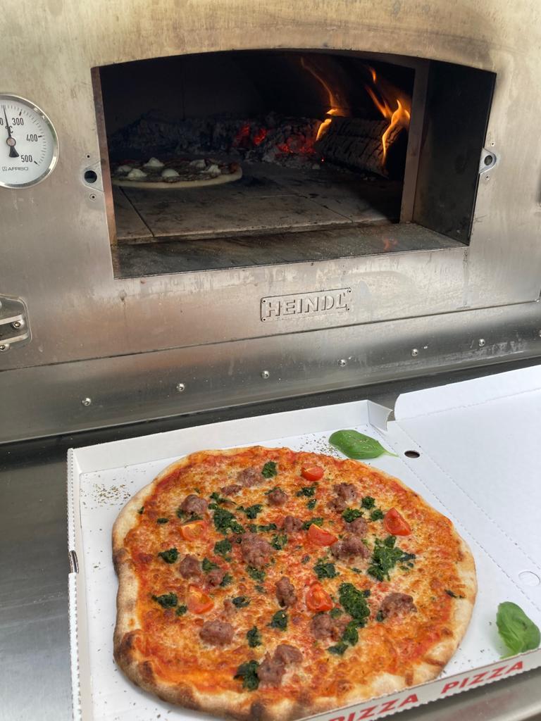 illegally-tasty_pizzaofen