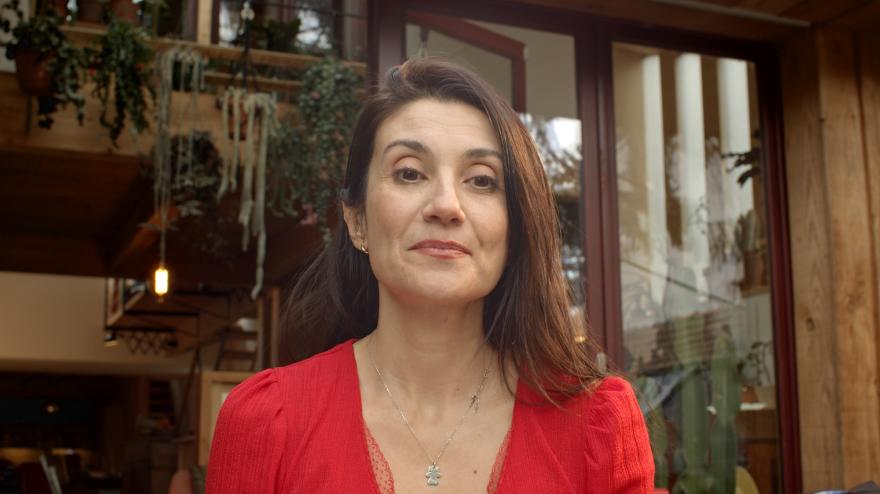 Sarah Martin face camera photography.