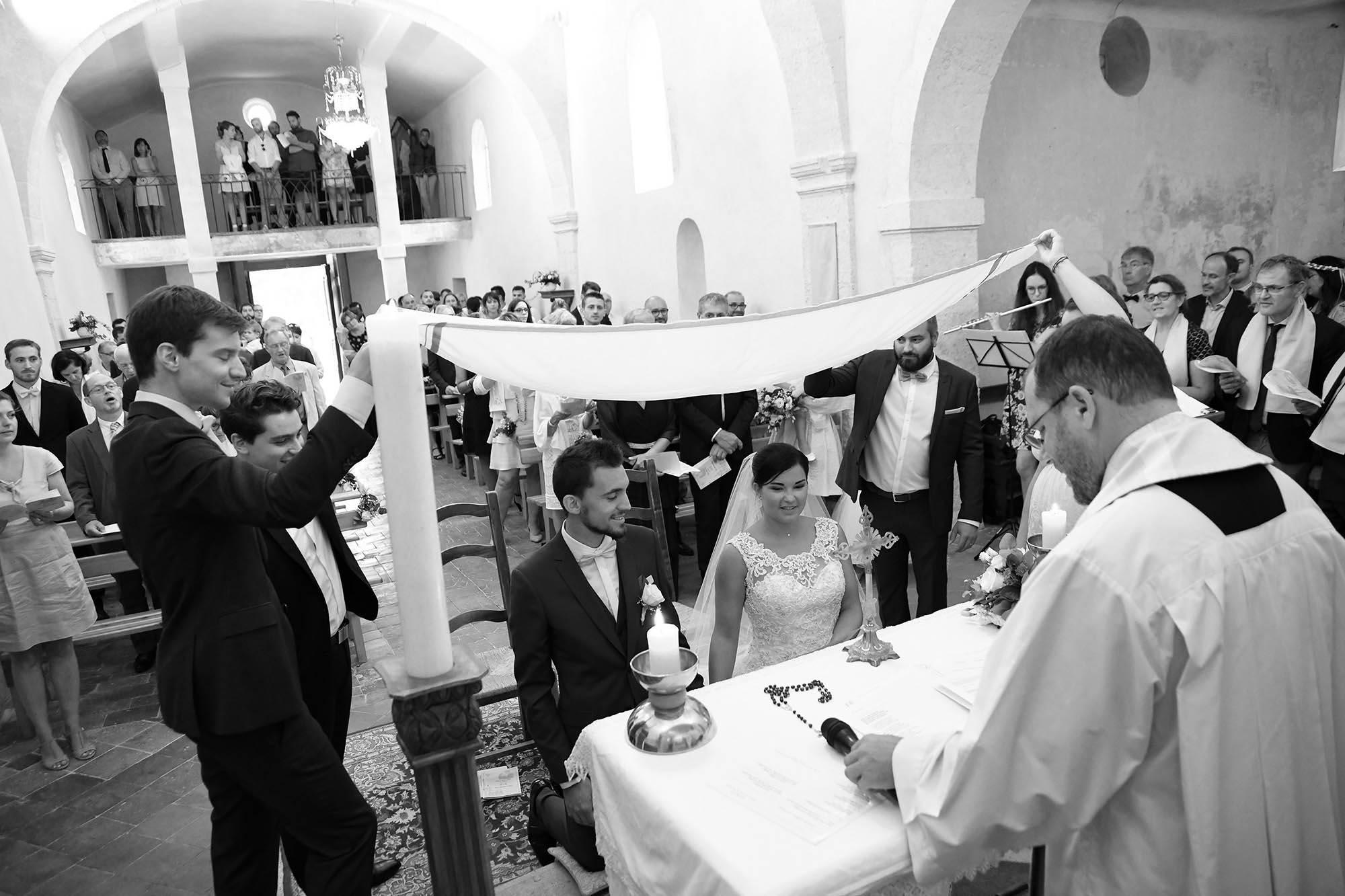 photographe-mariage-84-vaucluse-pertuis-eglise