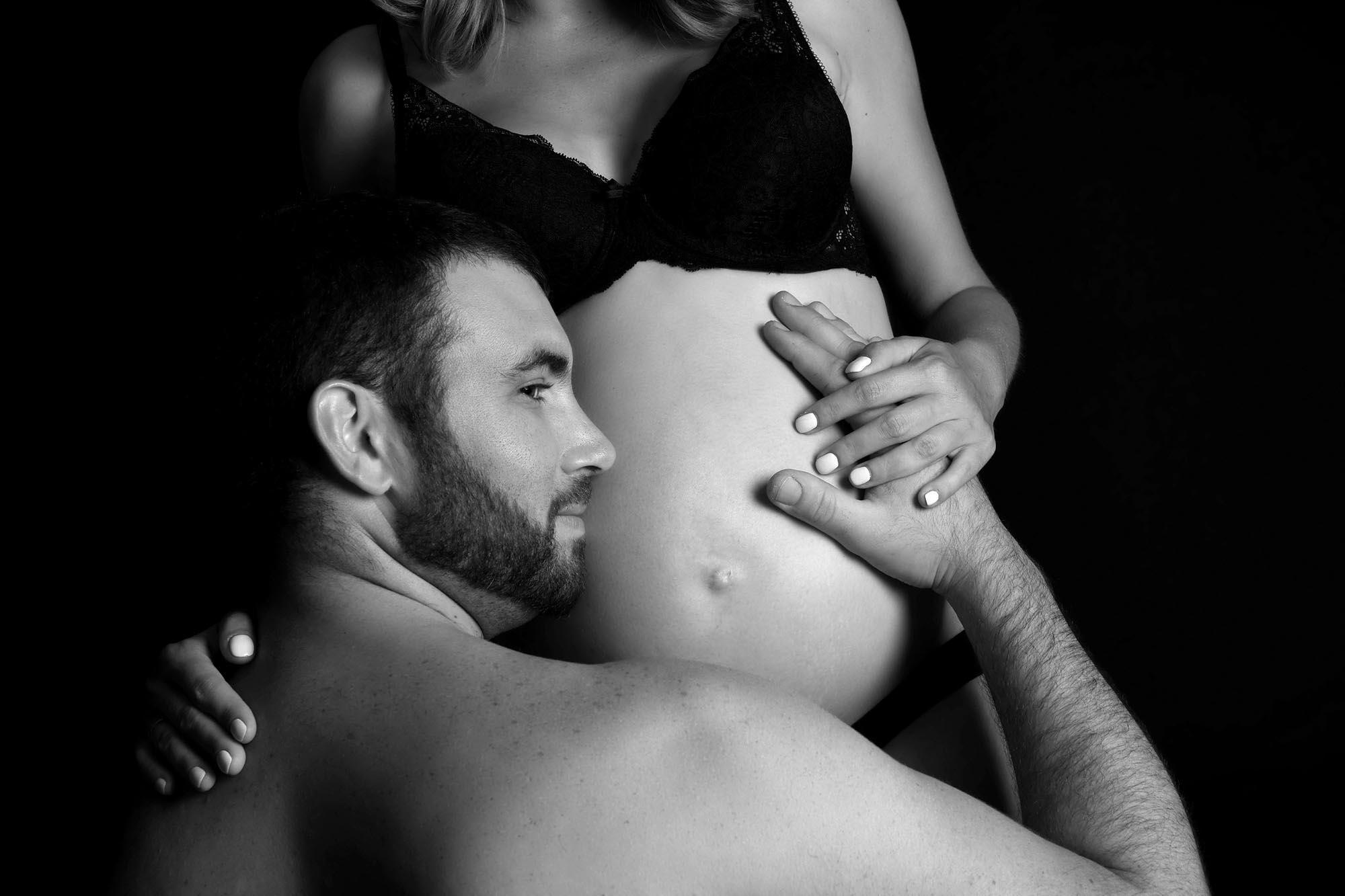 photographe-seance-grossesse-en-studio-aix-en-provence-13